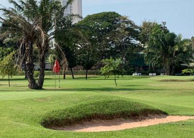 Günstig Golfspielen unter Palmen in Pattaya